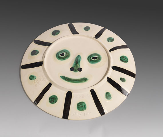 Pablo Picasso - Face with spots (Reverse: Mat face)